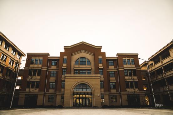 高颜值、配套全——尧塘中心小学新校区9月正式开学